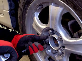 タイヤ交換・組み換え・修理・預かり